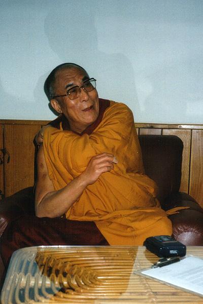 dalai_lama_2001_02