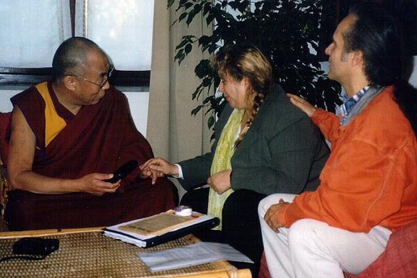 dalai_lama_2001_08